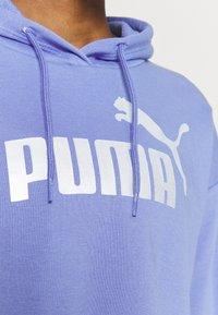 Puma - METALLIC LOGO HOODIE - Jersey con capucha - hazy blue/silver - 4
