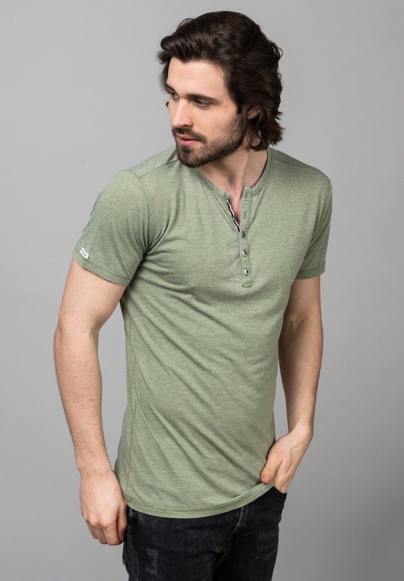 Key Largo - MT DIETER - Print T-shirt - green