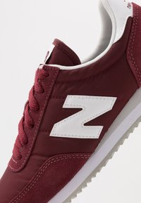 New Balance - 720 UNISEX - Trainers - red/white - 5