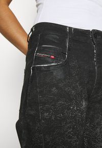 Diesel - D-FAYZA-SP2 - Relaxed fit jeans - washed black - 3