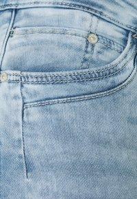 Mavi - ALMA - Denim shorts - light blue denim - 6