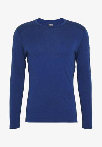 MENS CREWE - Sports shirt - estate blue