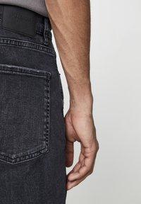 PULL&BEAR - Skinny džíny - mottled black - 3