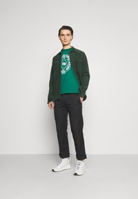 The North Face - FIFTH TEE - Print T-shirt - evergreen - 1