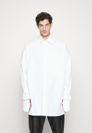 HUGE SHIRT - Overhemd - white