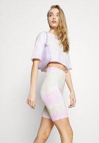 ONLY - ONLVERA TIE DYE SET - Print T-shirt - white - 6