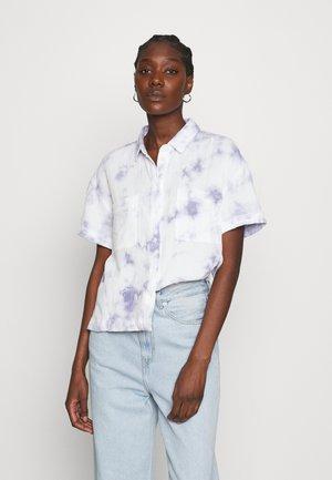 SAFARI SHIRT - Button-down blouse - tye die blue