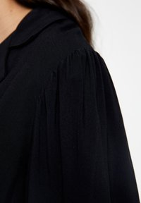 PULL&BEAR - Button-down blouse - black - 5