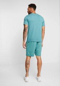 Nike SB - DRY SUNDAY - Shorts - bicoastal/anthracite - 2