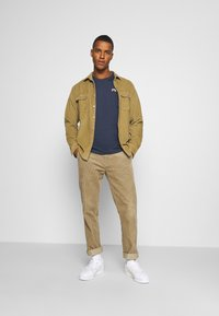 Tommy Jeans - REGULAR CORP LOGO CNECK - T-shirt basic - twilight navy - 1