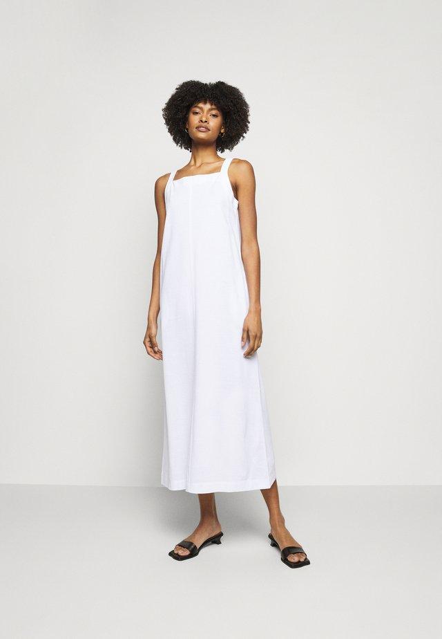 AMINTA - Korte jurk - weiss