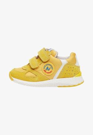 ISAO - Trainers - yellow