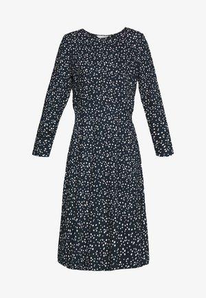 NUANNISAH DRESS - Denní šaty - sapphire