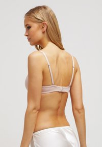 Chantelle - IRRESISTABLE - Multiway / Strapless bra - dune - 2