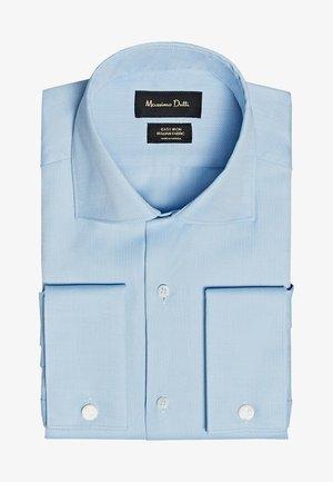 TAILORED FIT - Formal shirt - light blue