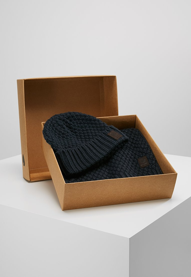 Only & Sons - ONSCENZ BOX SCARF BEANIE SET - Scarf - blue nights