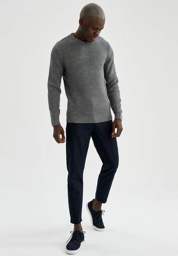 SLIM FIT  - Stickad tröja - anthracite