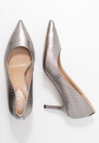 Lauren Ralph Lauren - LANETTE - Classic heels - silver - 3