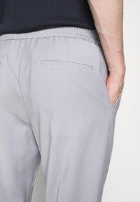 HUGO - HOWARD - Trousers - silver - 3