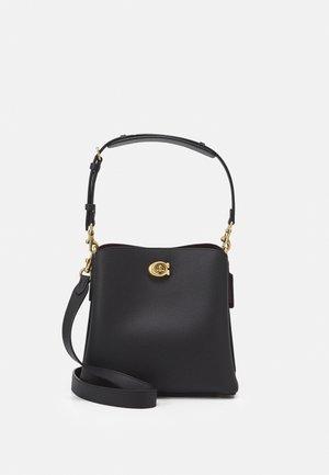 WILLOW BUCKET BAG ADJUSTABLE - Handväska - black