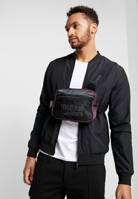 Urban Classics - CHEST BAG - Bum bag - redwine - 1