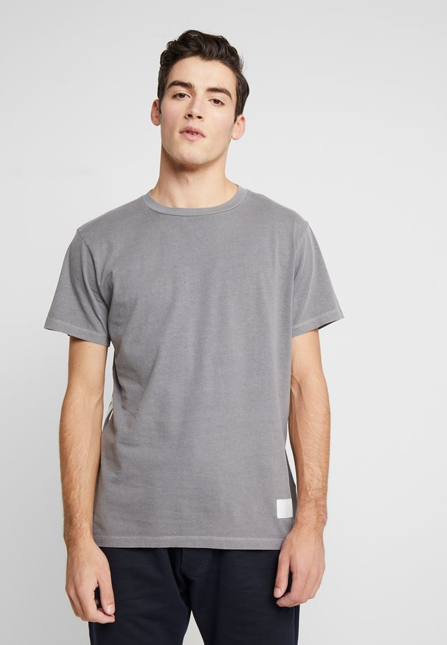 T-shirts med print - grey
