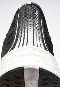 Reebok - FLOATRIDE ENERGY 3.0 - Nøytrale løpesko - black - 8