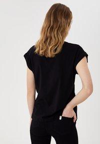 Liu Jo Jeans - WITH LOGO - Print T-shirt - black - 2