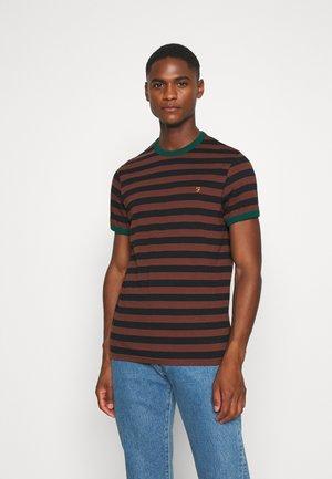 BELGROVE STRIPE TEE - T-shirt z nadrukiem - brown