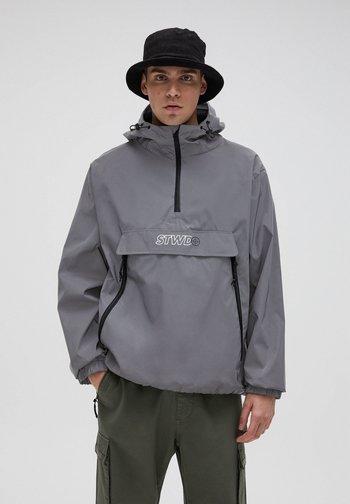 Kevyt takki - light grey