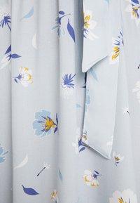 NA-KD - DEEP V MINI DRESS - Robe d'été - blue - 7