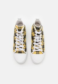 N°21 - High-top trainers - black/yellow - 3