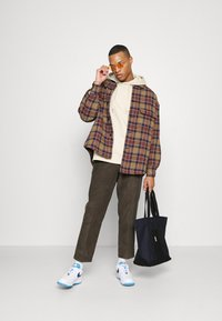 Billabong - BOWIE LAYBACK PANT - Trousers - coffee - 1