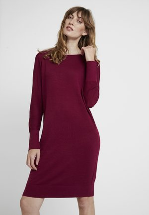 DRESS - Strickkleid - garnet red