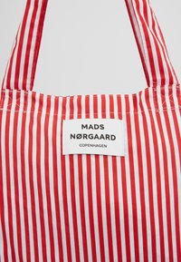 Mads Nørgaard - ATOMA - Tote bag - red/white - 6