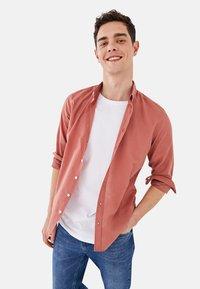 LC Waikiki - SLIM FIT - Shirt - pink - 1