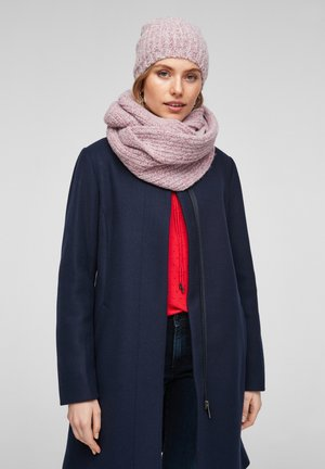 Snood - red knit