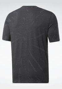 Reebok Classic - CLASSICS TIE-DYE T-SHIRT - T-shirt imprimé - black - 5
