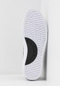 McQ Alexander McQueen - SWALLOW PLIMSOLL  - Vysoké tenisky - black/optic white - 6