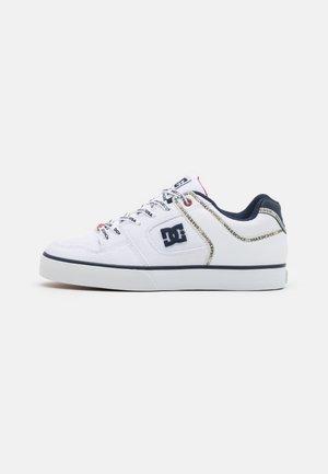PURE SE - Skateschoenen - white/navy/red