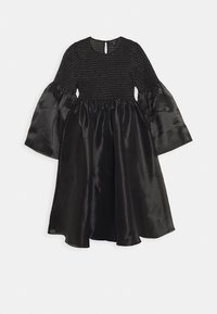 Who What Wear - THE SMOCKED ORGANZA DRESS - Cocktail dress / Party dress - black - 4