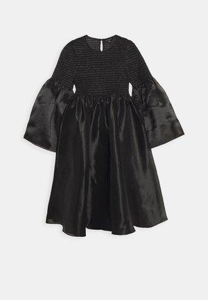 THE SMOCKED ORGANZA DRESS - Vestito elegante - black