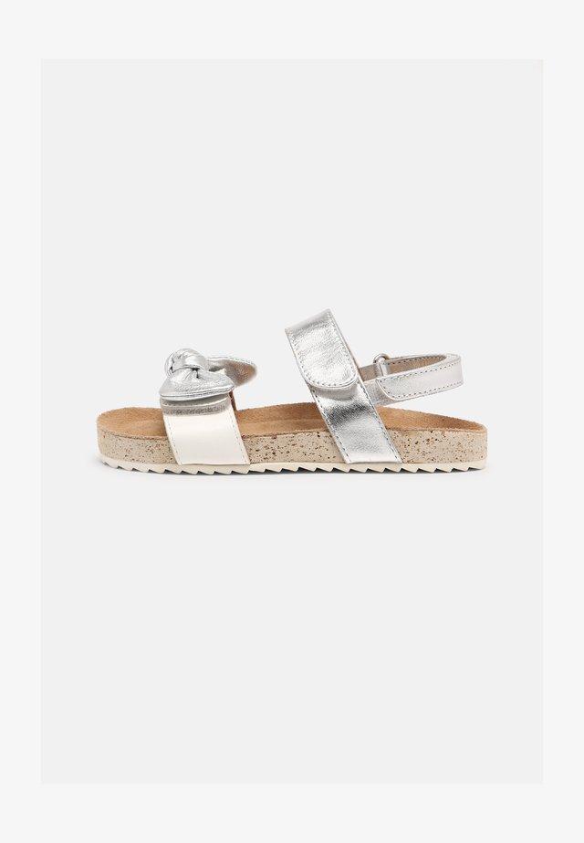 HARRIS - Sandales - plata