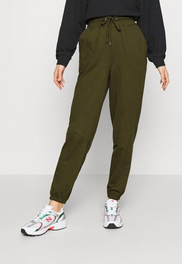 PAPERBAG WAIST JOGGER - Pantalon de survêtement - olive