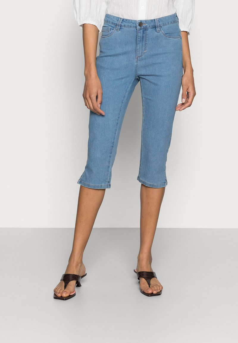 Kaffe - VICKY CAPRI JEANS - Denim shorts - light blue washed denim