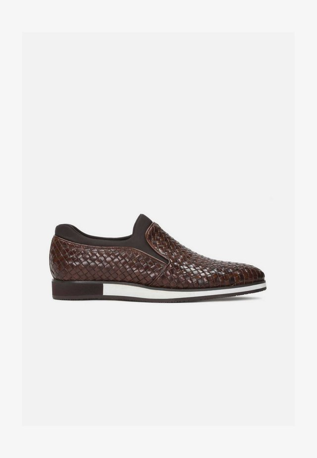 CABOT - Loaferit/pistokkaat - brown