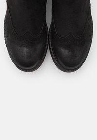 mtng - HIGH SCHOOL - Kotníkové boty na platformě - black - 5