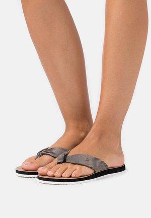 FRIDA ZIGZAG - Sandály s odděleným palcem - black