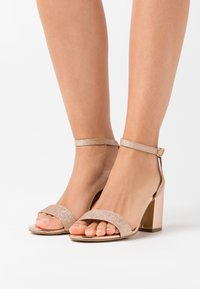 New Look Wide Fit - WIDE FIT ZAN SHIMMER MID BLOCK - High heeled sandals - rose gold - 0