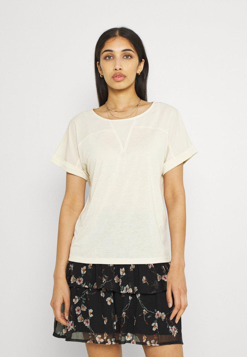 Vero Moda - VMELLEN TOP - Basic T-shirt - birch